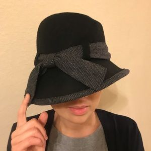Stylish wool and tweed ladies bowler/cloche hat
